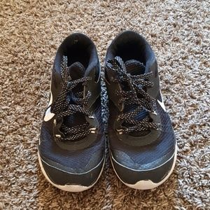 Size 6 running shoes